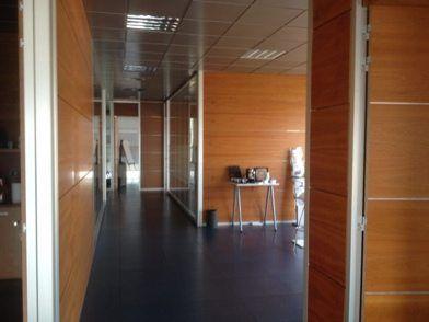 licencia-apertura-oficina-pasillo