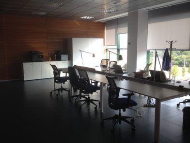 licencia-apertura-oficina-puestos-trabajo
